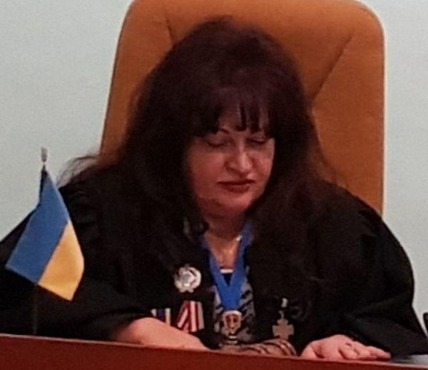Народ должен знать своих «героев»: судья Нина Фатеева