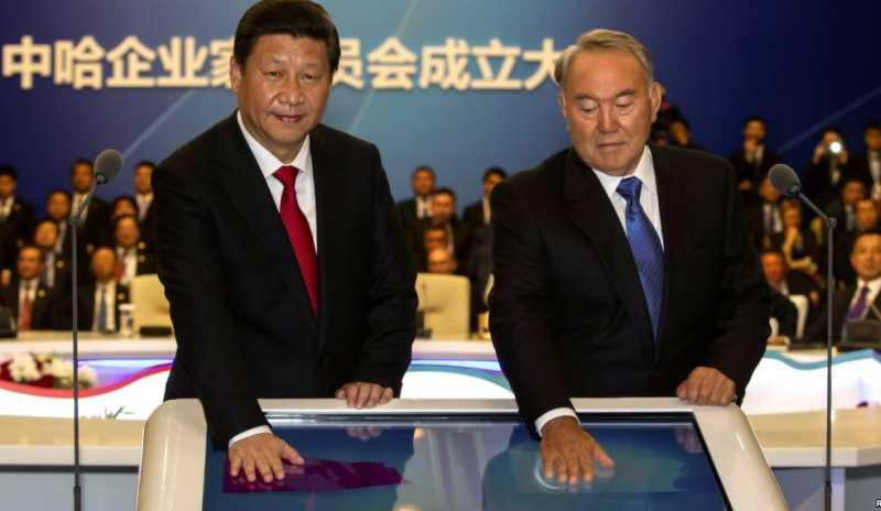 Газопровод Бейнеу – Бозой – Шымкент является крупнейшим трубопроводным проектом в истории Казахстана. Си Цзиньпин и Нурсултан Назарбаев запустили его 7 сентября 2013 г.